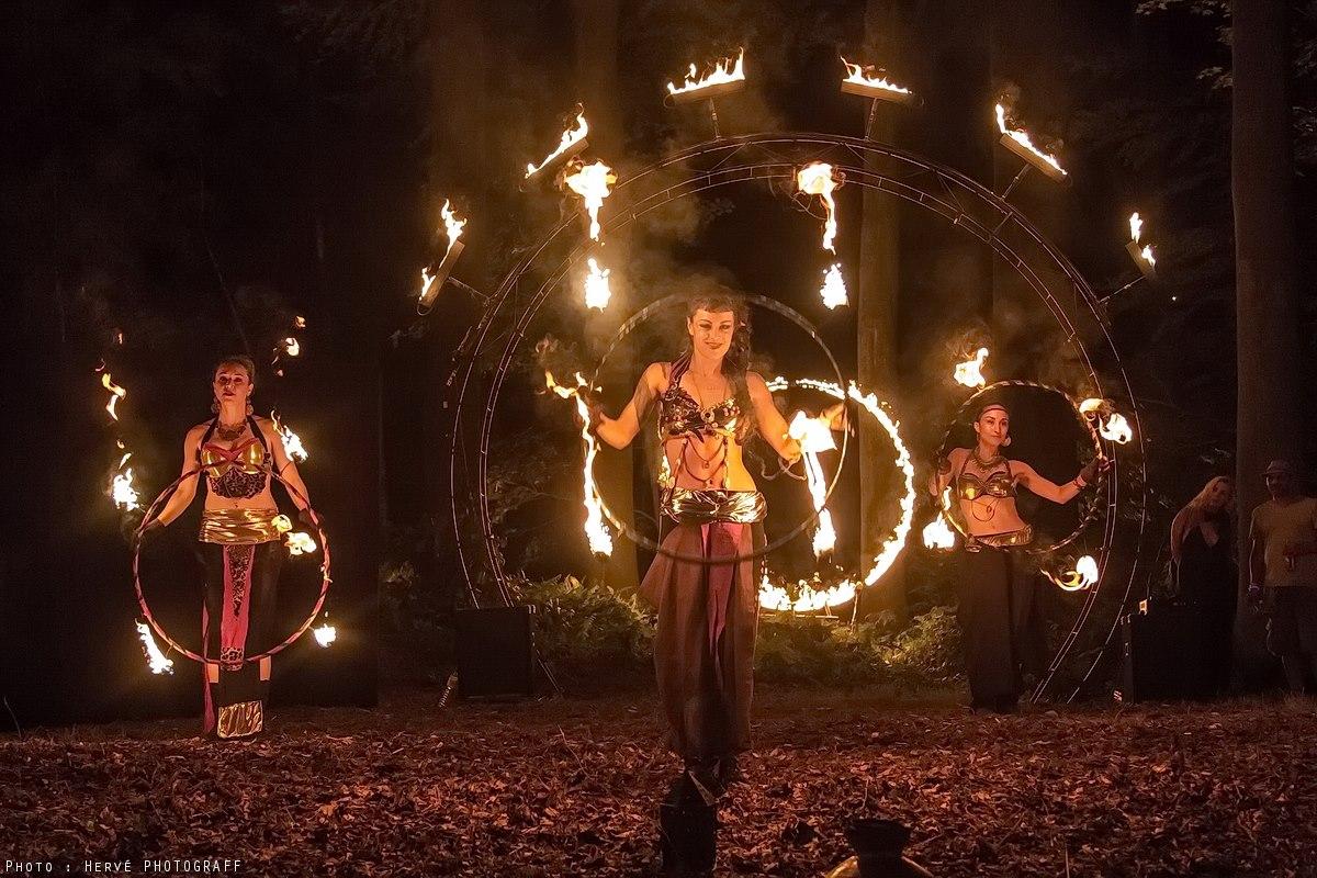 fire hoop cerceau de feu hula hoop feu