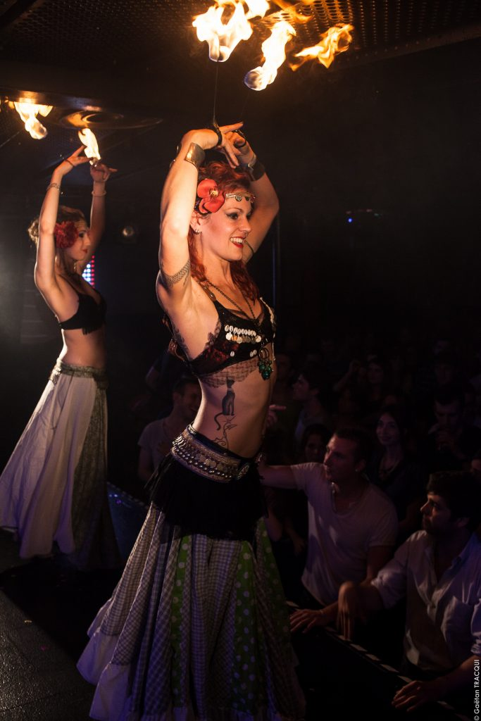 Danse tribal fusion feu